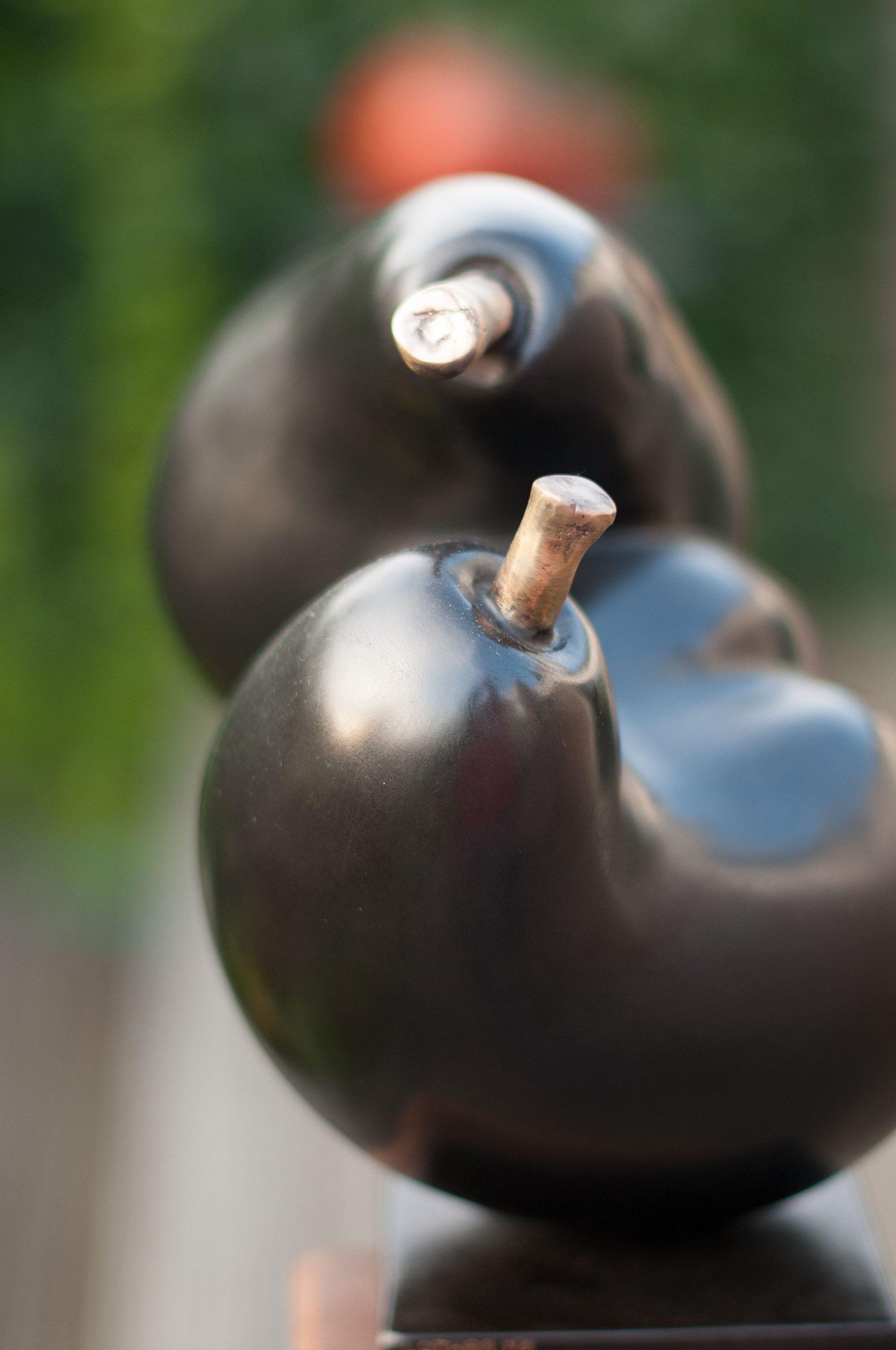 black-pears